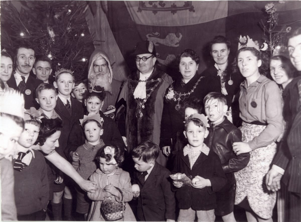 Malpas Court Social Club in a nissen hut around 1947.